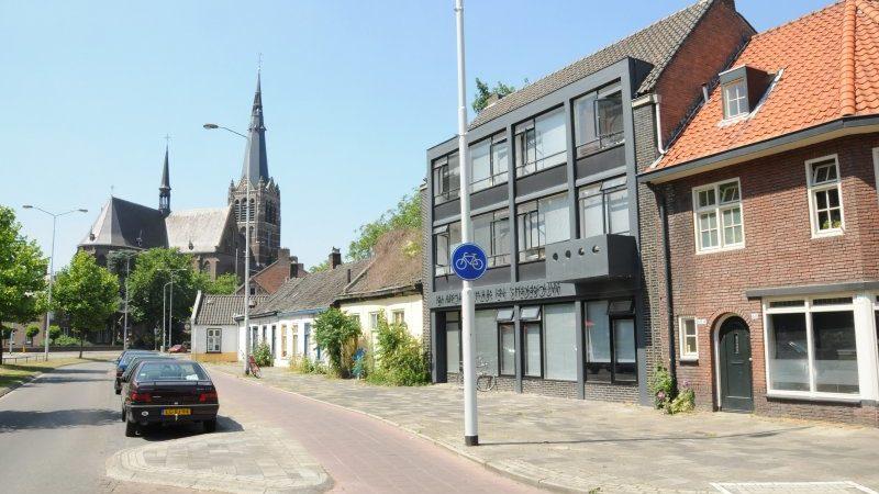 HOME | De BUUT in de Rochusbuurt Eindhoven | een impressie van de buurt, Jorislaan en kerk